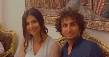 عمرو وردة يعلن خطوبته فى حفل عائلى.. صورة