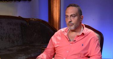 خالد سرحان فى لايت شو: عادل إمام الأب الروحى لى وعملت معه 7 سنوات بالمسرح