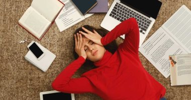 7 golden tips to de-stress, most notably helping others