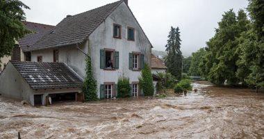 مصرع 12 على الأقل وإجلاء 100 ألف جراء فيضانات اجتاحت مدينة تشنجتشو الصينية