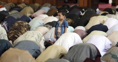 """""""أسوشيتدبرس"""" ترصد احتفال المسلمين بالعيد فى ظل كورونا وسط مخاوف من متغير دلتا"""