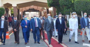 استعدادات حدائق القاهرة لاستقبال المواطنين فى أول أيام العيد.. فيديو