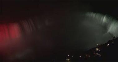 إضاءة شلالات نياجرا العالمية بألوان علم مصر