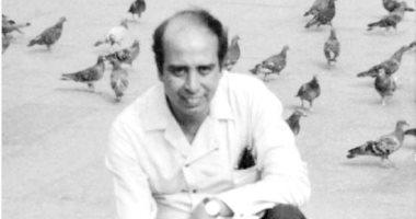 سعيد الشحات يكتب: ذات يوم 31 يوليو 1984 ..الفنان محمد منير ينعى الشاعر عبدالرحيم منصور فى الأهرام بوصفه: «الأخ.. الأب.. الصديق.. الفنان.. الثورة.. الإنسان»