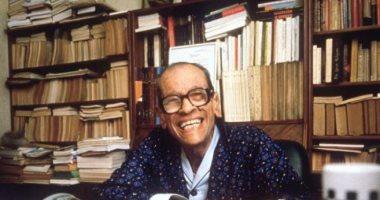 33 عاما على فوز الروائى العالمى نجيب محفوظ بجائزة نوبل فى الأدب
