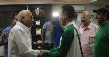 السعودية نيوز |                                              الزمالك يُهدى درع النادي إلى وفد الاتحاد السعودى للكرة الطائرة