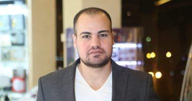 عمرو صحصاح يكتب: دلال عبد العزيز 44 عاما فى خدمة الفن والإنسان معا