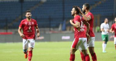 الأهلى يهزم المصري 4 - 2 ويواصل مطاردة الزمالك على لقب الدورى
