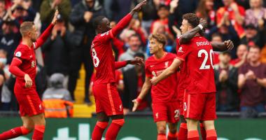 الحارس كاريوس مفاجأة قائمة ليفربول النهائية للدوري الإنجليزي 2021-2022