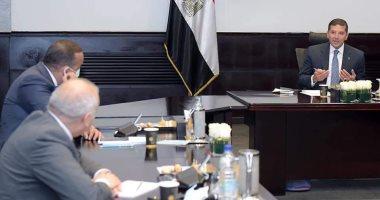 """""""عبد الوهاب"""" يلتقى كبرى مكاتب المحاماة والمحاسبة لبحث إجراءات تحسين مناخ الاستثمار"""