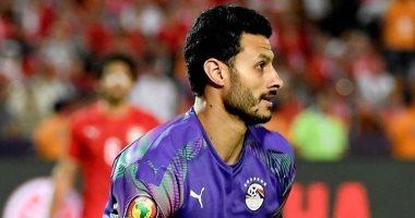مروان محسن يدعم محمد الشناوى بعد إصابته فى الخلفية
