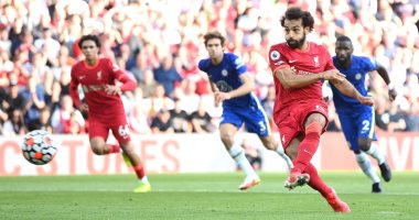 المذيع التاريخي لملعب الأنفيلد: جماهير ليفربول تعتبر محمد صلاح بطلا