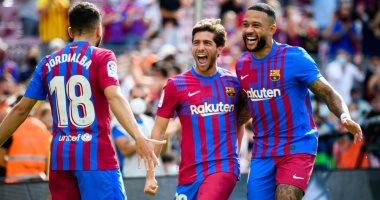 صورة 21 لاعبًا في قائمة برشلونة ضد غرناطة بالدوري الإسباني.. وغياب بيدري وألبا