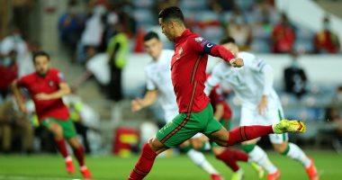 منتخب البرتغال يتأخر أمام إيرلندا بهدف ورونالدو يهدر ركلة جزاء.. فيديو