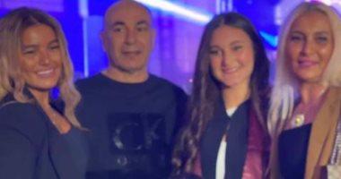 حسام حسن يحتفل مع أسرته بمناسبة تخرج ابنته جنا.. صور
