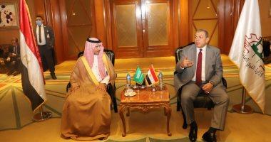 السعودية نيوز |                                              وزير القوى العاملة يتابع مع نائب نظيره السعودى أحوال العمالة المصرية