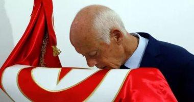 الرئيس التونسى يتوعد المضاربين والمحتكرين واللوبيات ويحذر من التخاذل