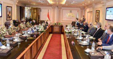 مباحثات بين العربية للتصنيع ووفد عسكرى نيجيرى لتعزيز مجالات التصنيع المشترك