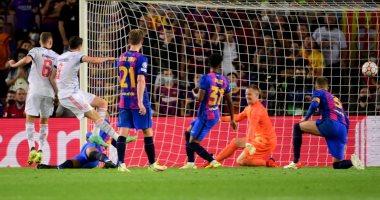 أهداف الثلاثاء.. بايرن ميونخ يقسو على برشلونة وهزيمة مفاجئة لليونايتد