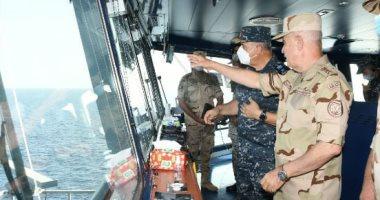 """الفريق محمد فريد يشهد أنشطة تدريبية بحرية بالتدريب المشترك """"النجم الساطع 2021"""""""