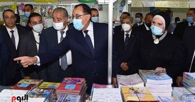 رئيس الوزراء: العام الدراسى الجديد سيكون منتظما واللقاحات درع الأمان والوقاية.. صور