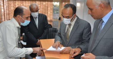 نائب محافظ المنيا يتابع سير العمل بجهاز تنمية المشروعات.. صور