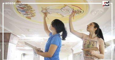 """سارة وكريستين.. شقيقتان من سوهاج تبدعان فى الرسم على جدران الكنائس """"فيديو"""""""