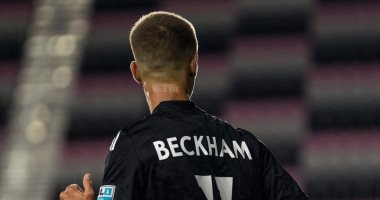 صورة روميو بيكهام يشارك لأول مرة فى مباراة كرة قدم للمحترفين.. صور