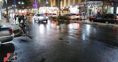 هطول أمطار غزيرة على شوارع بورسعيد.. فيديو وصور