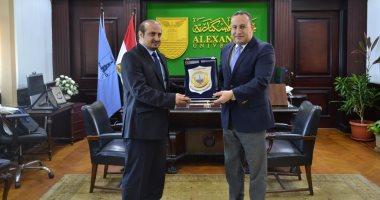 السعودية نيوز |                                              رئيس جامعة الإسكندرية يستقبل القنصل السعودى لبحث تعزيز التعاون