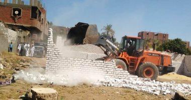 الجيزة تزيل تعديات على أملاك الدولة بالمنطقة الصناعية بعرب أبو ساعد
