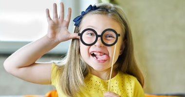 سلوكيات للأطفال لا يجب تجاهلها.. التنافس بين الأخوات وعدم احترام الآخرين