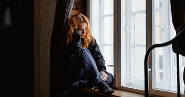 3 أبراج لا تجيد التعبير عن مشاعرها.. السرطان مكبوت والعقرب غامض