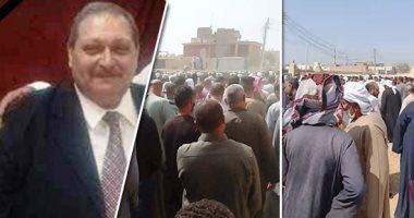 مات وسيرته حية.. طبيب الخير يترك عيادته الفاخرة بالقاهرة ليعالج أهل قريته فى الفيوم مجانا