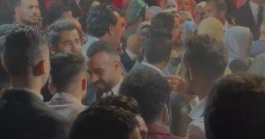 شاهد رقص أحمد عبد القادر وعمار حمدى مع أفشة فى ليلة العمر