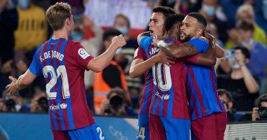 صورة برشلونة يعود للانتصارات في الدوري الإسباني بثلاثية ضد فالنسيا