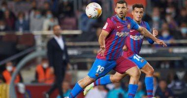 صورة أجويرو يسجل ظهوره الرسمى الأول مع برشلونة ضد فالنسيا بالدوري الإسباني