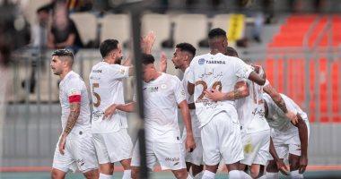 السعودية نيوز |                                              الاتحاد يفقد صدارة الدوري السعودي بالخسارة أمام الشباب بمشاركة أحمد حجازي