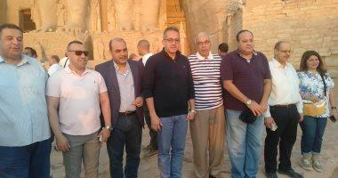 رئيس تحرير اليوم السابع وعدد من كبار الصحفيين يشهدون تعامد الشمس