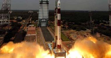 السعودية تطلق قمرين صناعيين إلى الفضاء