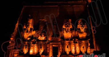وصول 22 سفيرًا وآلاف الزوار لمشاهدة تعامد الشمس على وجه رمسيس الثانى