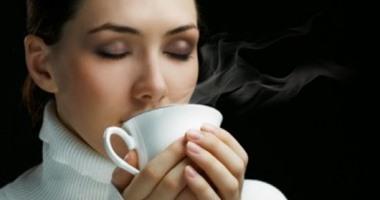 فوائد شرب الماء الساخن فى علاج انقباضات الدورة الشهرية وإنقاص وزنك