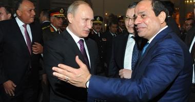 الرئيس السيسى يستقبل نظيره الروسى فلاديمير بوتين بمطار القاهرة