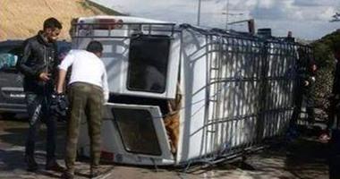 مصرع طفلة وسائق وإصابة 14 آخرين فى حادث تصادم أتوبيس حضانة بسوهاج