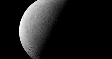 ناسا تنشر صورا جديدة لشروق الشمس على كوكب زحل