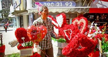 احرص على تناول الشيكولاتة والمكسرات فى عيد الحب