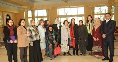 """رئيس """"القومى للمرأة"""" تلتقى عضوات فرع الأقصر وتطالبهن بالتواجد المكثف"""