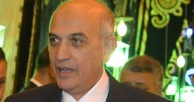 """مصدر بـ""""الداخلية"""": نلاحق 3 متهمين قتلوا مواطنا ونجله بالعريش"""
