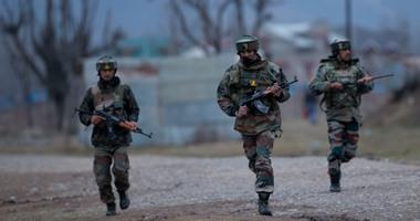 مقتل جنديين فى هجوم مسلح بالقرب من معسكر للقوات الهندية بكشمير