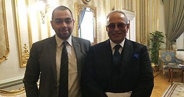 تداعيات أزمة فؤاد وأبو شقة.. 6 أعضاء يتقدمون باستقالة جماعية من حزب الوفد